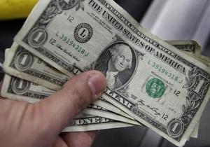 Доллар на межбанке держится у отметки в 8,15 грн