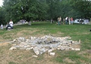 Памятник Перуну, установленный в Киеве, простоял меньше суток