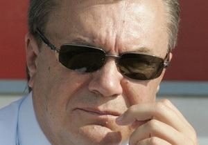 КП: К приезду Президента с крымской госдачи убрали пасеку Ющенко и установили билборды Янукович - надежда Крыма