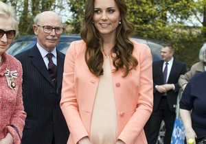 Дочь принца Уильяма и Кейт Миддлтон может не стать королевой из-за иска в Канаде - СМИ