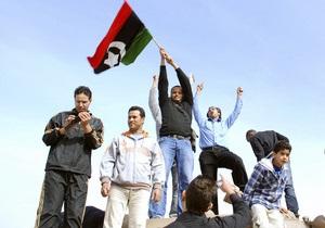 Власти Ливии пообещали каждой семье по $400