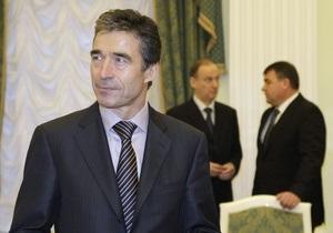 Генсек НАТО не одобряет наличия в проекте военной доктрины РФ пункта об использовании ядерного оружия
