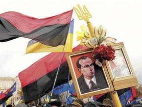Власти Киева просят не допустить столкновений коммунистов и националистов