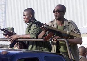 Полиция Кот-д`Ивуара применила боевые патроны для разгона демонстраций