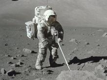 Впервые за 40 лет астронавтов оденут в новые скафандры
