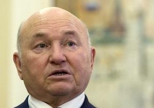 Лужков поддержал установку в Москве стендов со Сталиным