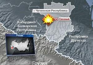 Теракт в Грозном совершили три смертника. Число жертв достигло восьми