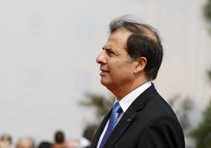 Президент Мальты потерял сознание на похоронах друга