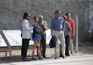 Новости США - Барак Обама - состояние Манделы: Обама посетил тюрьму, в которой Мандела провел 18 лет