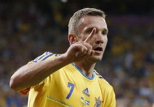 Азаров положительно оценивает участие известных спортсменов в парламентских выборах