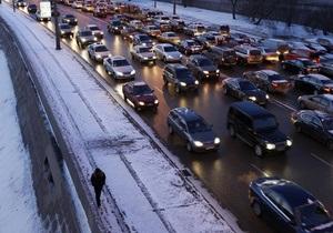 В Москве образовались пробки общей протяженностью три тысячи километров