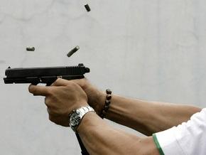 В Баффало неизвестный расстрелял автомобиль с молодыми людьми