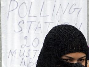 Взрыв на избирательном участке в Пакистане: число жертв растет