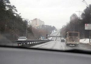 Грузовики заблокировали въезд в Киев