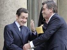 Франция еще не готова пускать Украину в НАТО: Подождем, увидим