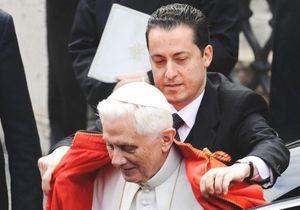 Камердинера Папы Римского будут судить за кражу документов