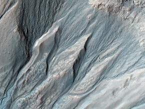 Спутник NASA сфотографировал весну на Марсе