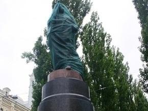 В Кабмине подтвердили, что лишили памятник Ленину в Киеве особого статуса