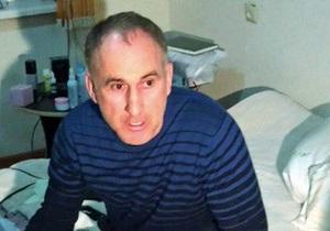 Отец Царнаевых отложил поездку в США из-за состояния здоровья