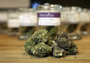 Обама: В США курильщиков марихуаны преследовать не будут