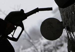 БЮТ: Янукович и Азаров устроили бензиновую вакханалию
