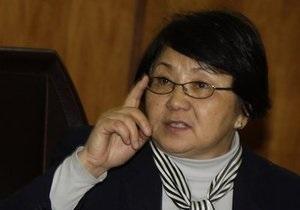 Глава временного правительства Кыргызстана потребовала суда над Бакиевым