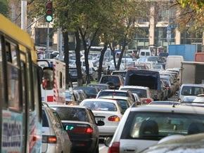 В Киеве ограничат движение по пяти улицам и Южному мосту