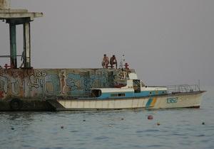 СМИ: В Крыму погиб пьяный россиянин,  заехав в море на своей машине