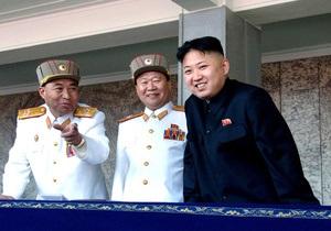 Один из самых приближенных к Ким Чен Уну военных отправлен в отставку