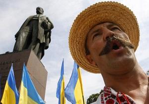 Панихида по Шевченко в Каневе сопровождалась антиправительственными возгласами