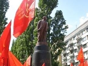 Памятнику Ленину в Киеве заменят голову