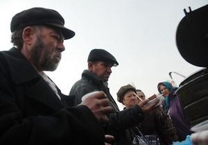 Фотогалерея: Хлеб насущный. В Киеве появилась передвижная столовая для бомжей