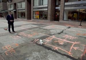 Фотогалерея: Минута молчания на месте взрыва. Бостон почтил память жертв теракта