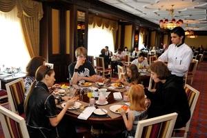 Fairmont Grand Hotel Kyiv вводит в Киеве новую традицию бранчей с шампанским