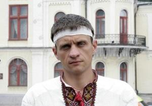 Возле Украинского дома госпитализировали очередного голодающего