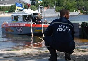 В Черниговской области автомобиль упал в Десну: трое погибших