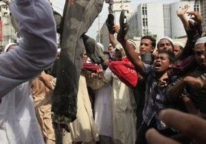 В Бангладеш мусульмане громили дома буддистов  из-за фото на Facebook