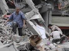 Число жертв землетрясения в Китае растет: 107 человек погибли, 900 находятся под завалами