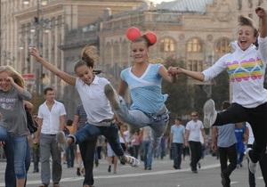 В центре Киева состоялись гонки на офисных стульях