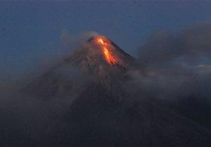 Извержение вулкана на Филиппинах: эвакуированы более 20 тысяч человек