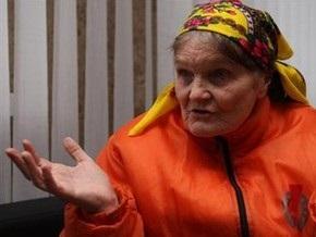 Баба Параска нашла выход из кризиса и перестала считать Януковича бандитом