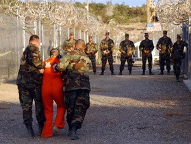 12 заключенных Гуантанамо переведены в тюрьмы на родине