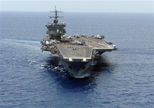 Авианосец США проводит учения, имитирующие конфликт в районе Персидского залива