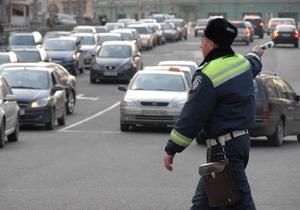 Омельченко просит МВД проверить информацию о наличии в ГАИ планов по количеству протоколов о нарушениях