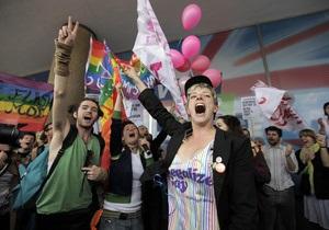 Закон о гей-браках окончательно одобрен палатой общин