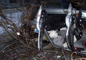 В Одесской области BMW врезался в дерево, есть жертвы