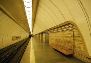 На двух станциях Киевского метро отремонтируют эскалаторы
