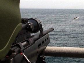 В Индийском океане пираты атаковали два судна, захватив одно из них