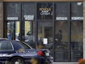 В США злоумышленник застрелил в кафе четырех полицейских