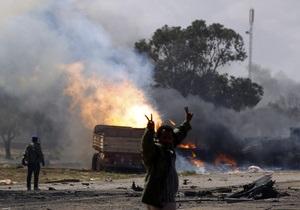 Авиация НАТО нанесла удар по силам Каддафи